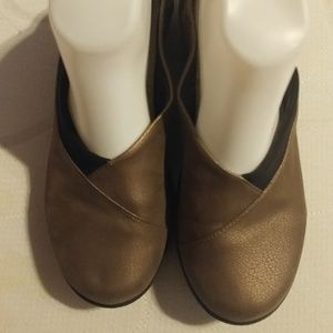 Clarks Cloud Steppers Bronze Loafers Sz 8.5M